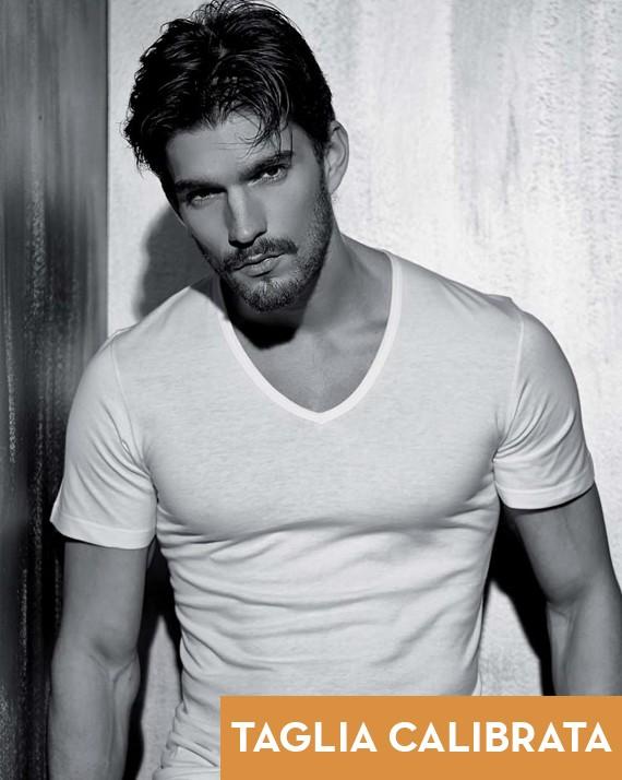 3 PACK T-shirt uomo cotone pettinato scollatura a V taglia calibrata